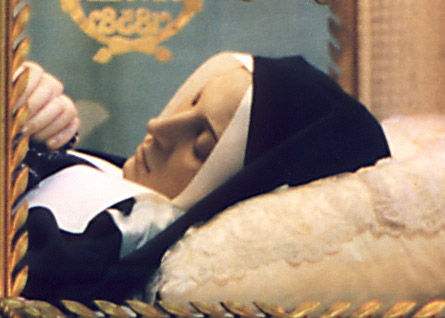 聖白娜戴特修女的生前故事[有圖]